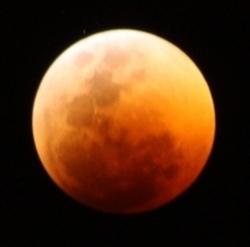 Total_lunar_eclipse061511_med